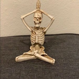 Yoga skeleton figurine decor